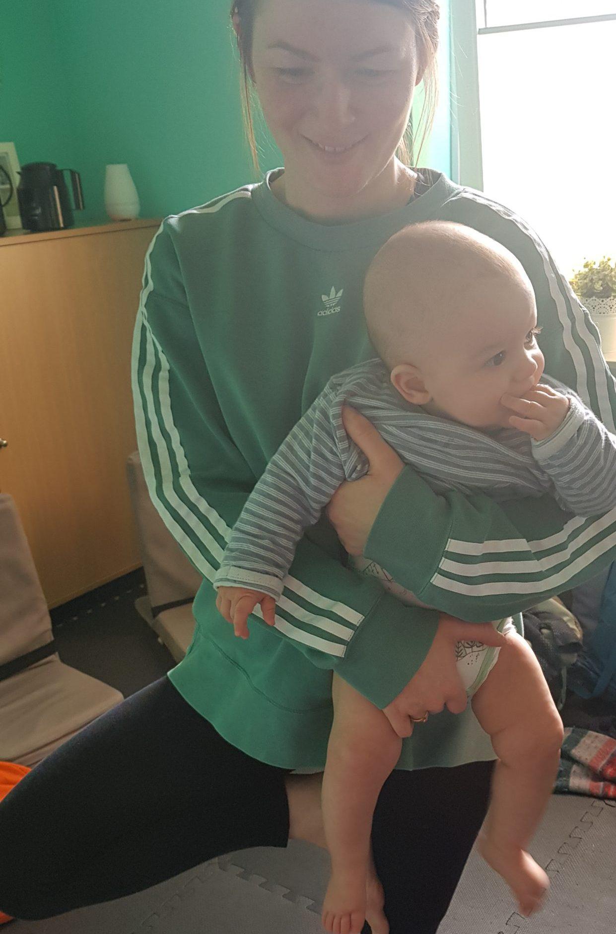 Baby-Yoga, Yoga mit Baby, Babyyoga